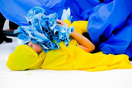 cabeza en azul